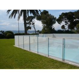 Piscine de type hors sol bois ou en kit enterr e home for Barrieres piscine beethoven