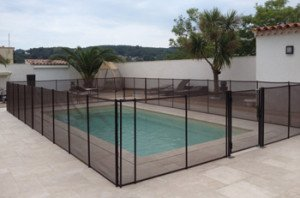 Comment s curiser une piscine for Barrieres piscine beethoven